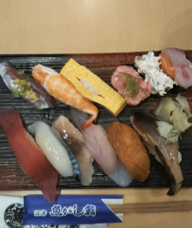 沼津港のお寿司
