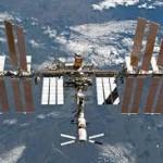 地上からは一つの光に見える宇宙ステーション「きぼう」
