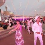 船上でダンスレッスン