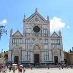 ファサードが特徴的なサンタクローチェ聖堂