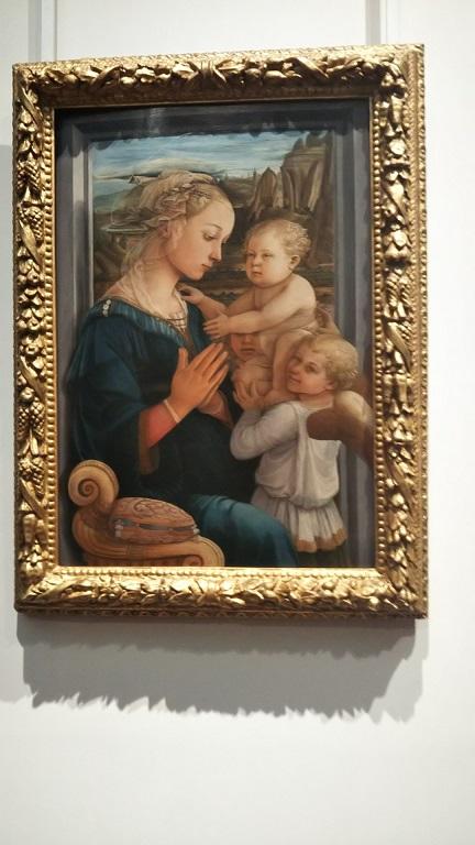 フィリッポリッピ《聖母子と二天使》慈愛に満ちた絵