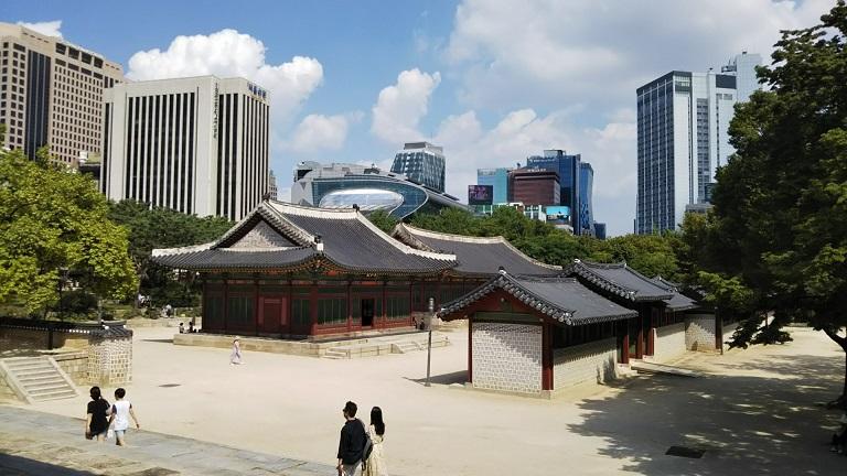 都会のオアシス徳寿宮