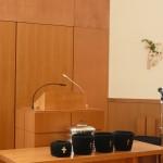 礼拝のスタートを待つ講壇