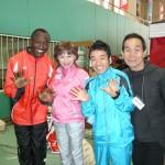 トークショー前のワイナイナ選手、猫さん、坂本雄次氏と