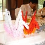 小さな折ずるで作られた鶴。新婦のお母様とお姉さまの作。鶴の数は1122羽!(いいふうふね!)