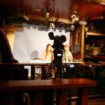 コンパクトなスタジオカメラも卓上で操作