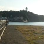 江ノ島の橋を渡ってすぐ右にあります