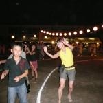 ね!子供たちが私の踊りを見て真似をしてるでしょ?