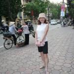 町には天秤棒を担いで物を売り歩く女性もまだいる