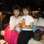 シンハービールとマンゴージュースで乾杯
