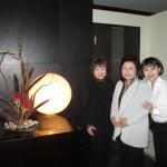 左から歌手の中村紀久子さん、モンテネグロ大使館役員でもある奥さん