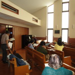 訪問前に教会の皆さんと練習