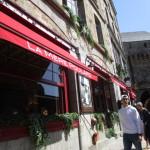 モンサンミッシェルに行ったらここ有名なオムレツ店