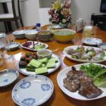 食卓いっぱいの料理