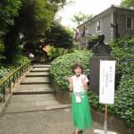 福澤先生の胸像と演説館