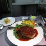 機内食のステーキ