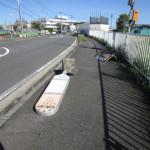 バス停の看板も倒れていた