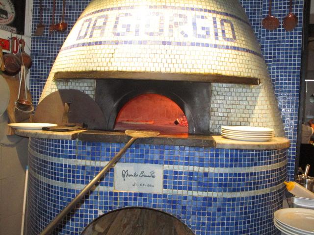 ナポリから職人を招いて作った窯