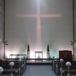 安藤氏得意の自然光を取り入れた「海の教会」