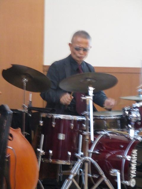 バンドリーダーの高田氏