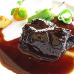 肉はいつもの牛ホホ肉赤ワイン煮をチョイス