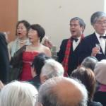 クリオーゾ合唱団が支えます。